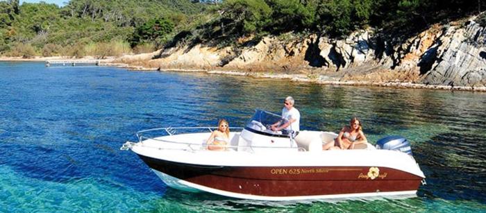 la location de bateaux entre particuliers prend l 39 eau globesailor blog. Black Bedroom Furniture Sets. Home Design Ideas